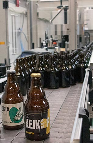 Je eigen bier laten brouwen van recept tot botteling